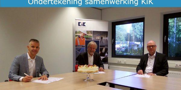 ondertekening 22 september.Bastiaan Benz.Ton Jans.Wim van Vreeswijk.mettekst